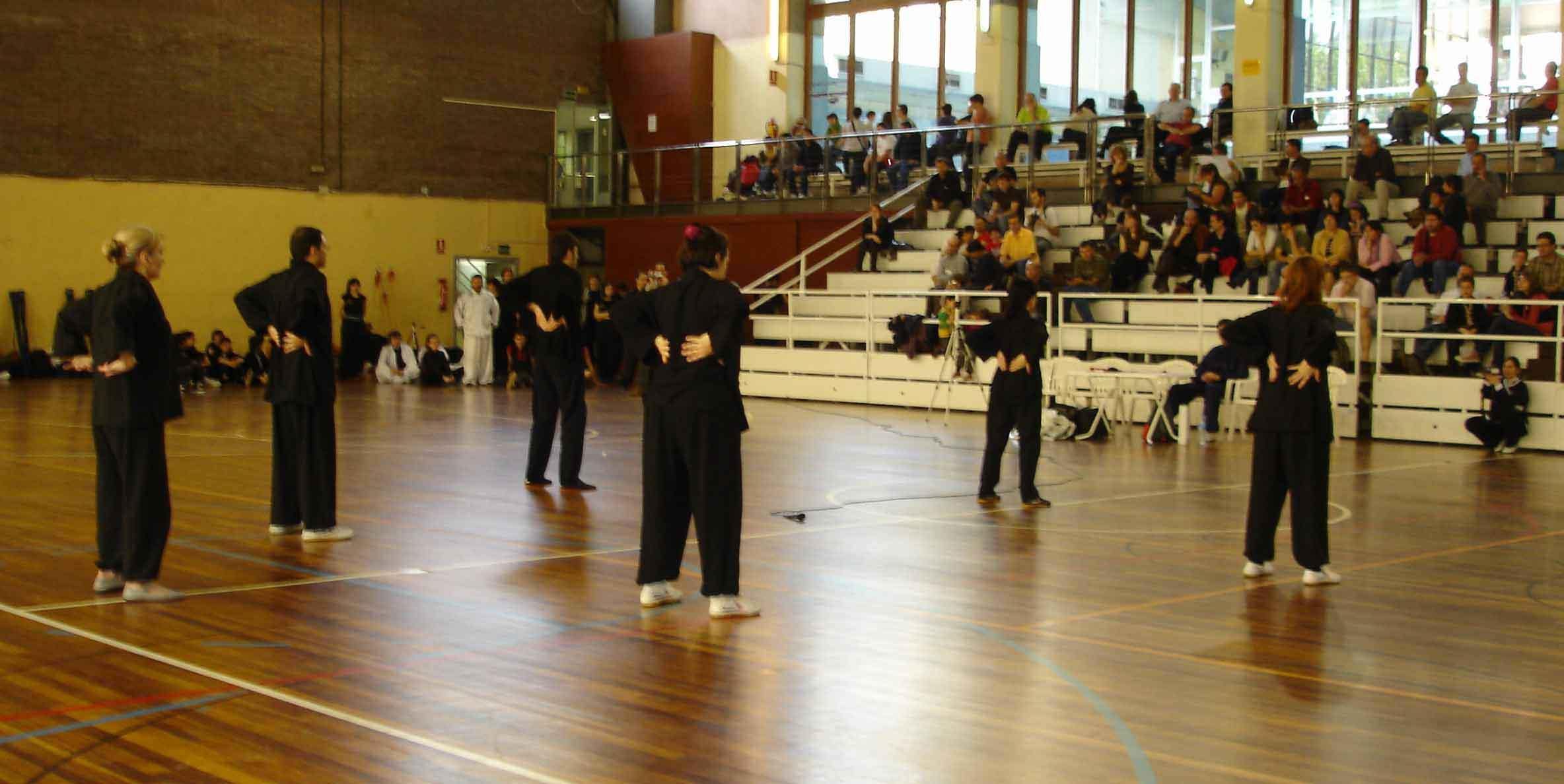 Encuentro Autonómico de Wushu (FCJIDA) en el Poliesportiu Llars Mundet